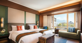 Guest Room at Shangri-La Hotel Lhasa