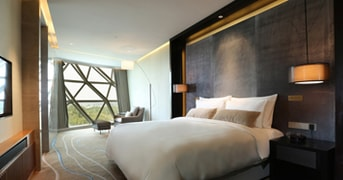 Deluxe Suite at Sunrise Kempinski Hotel Beijing