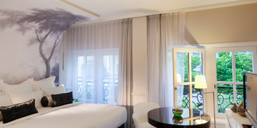 Prestige Guest Room at Renaissance Paris Le Parc Trocadero, Paris, France
