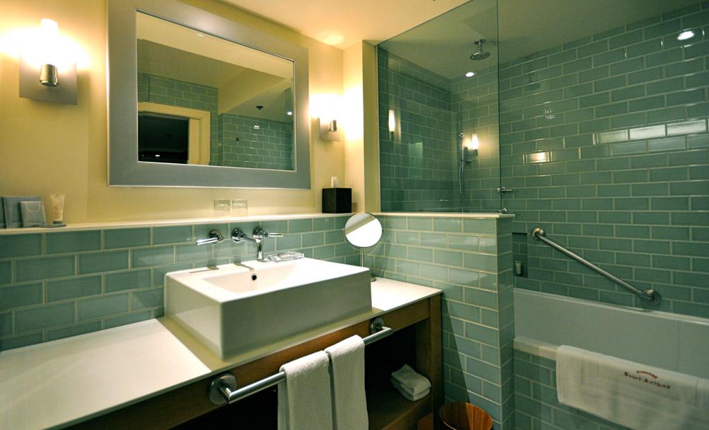 Comfort Room Bath at Auberge Saint-Antoine, Quebec City, PQ, Canada