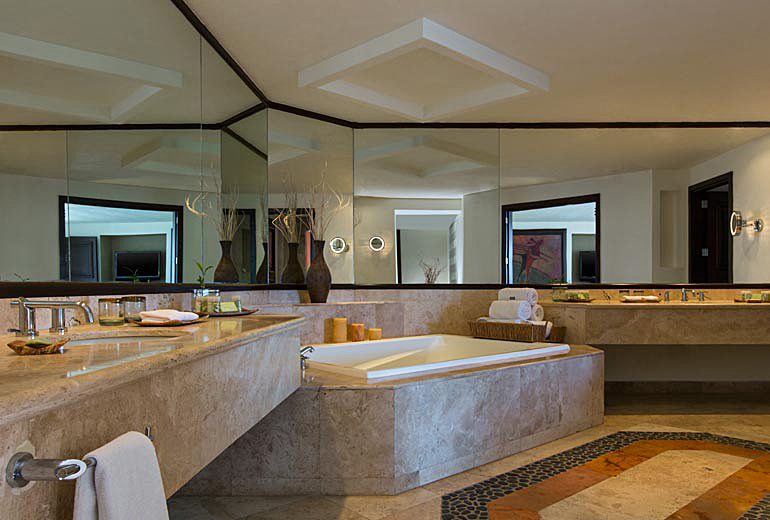 Suite Bath at The Westin Resort and Spa Los Cabos, Los Cabos, Mexico