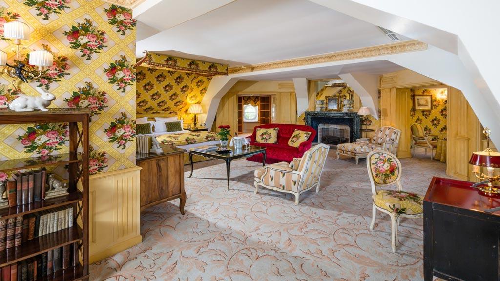 Suite at Chateau de Mirambeau, France