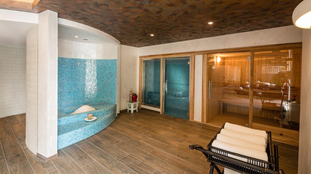Sauna at Chateau de Mirambeau, France