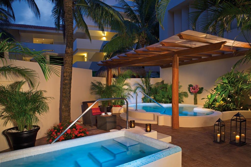 Outdoor Jacuzzi at Dreams Puerto Aventuras, Puerto Aventuras, Mexico