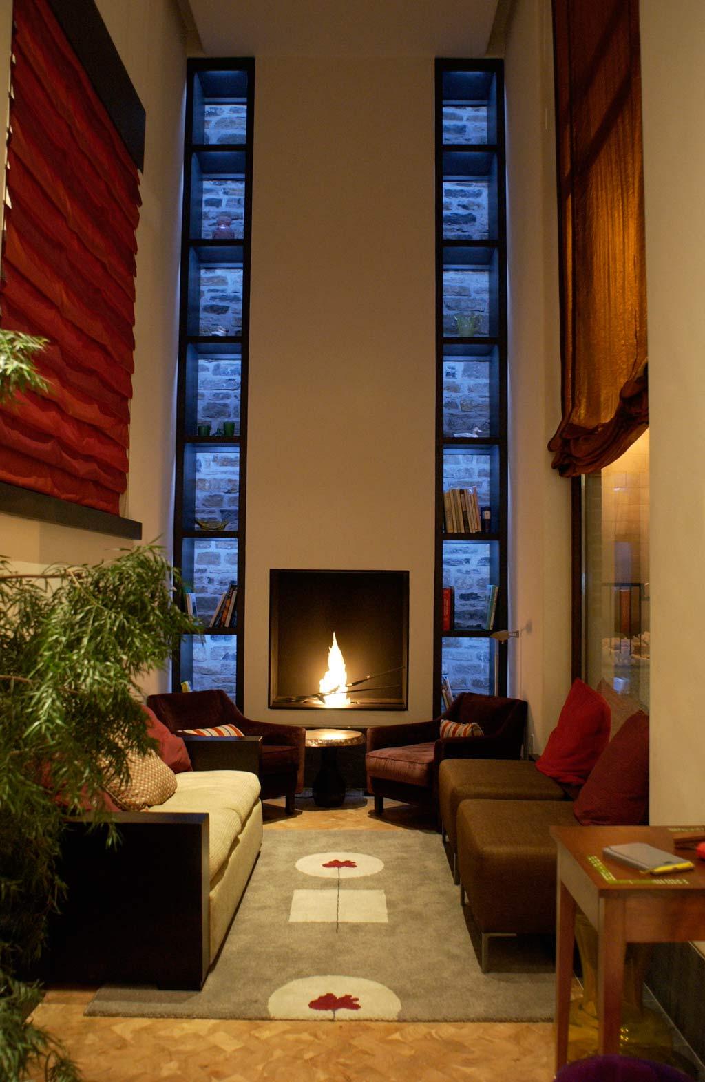 Lounge of Auberge Saint-Antoine, Quebec City, PQ, Canada