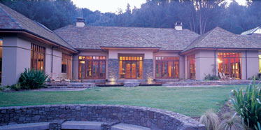 Treetops Lodge And Estate