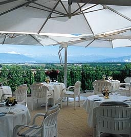 Dining with View of Countryside