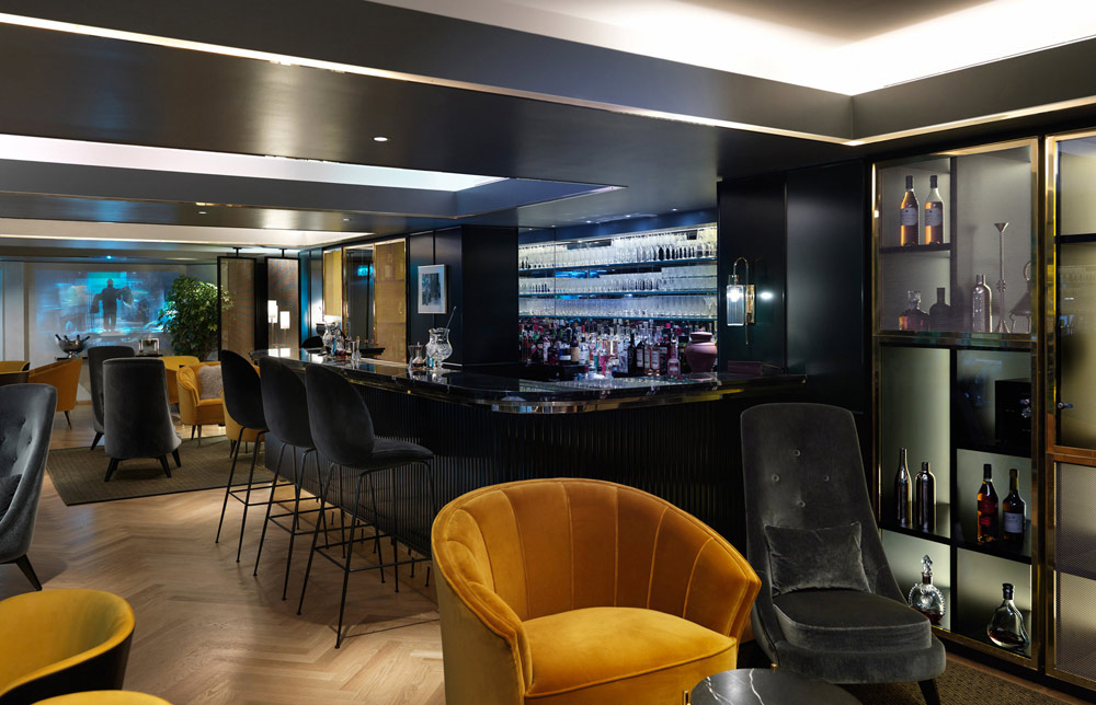 Bar at Athenaeum Hotel and ApartmentsLondonUnited Kingdom