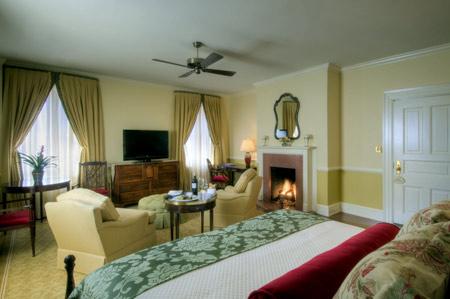 Woodlands Resort and Inn