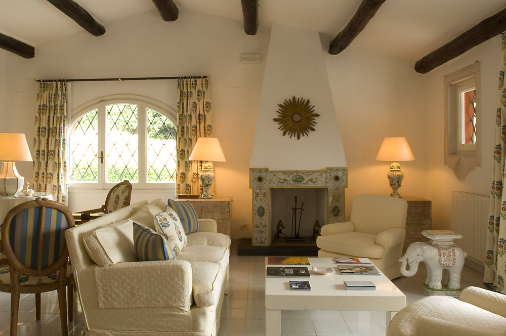 Master Deluxe Suite at ll Pellicano, Italy