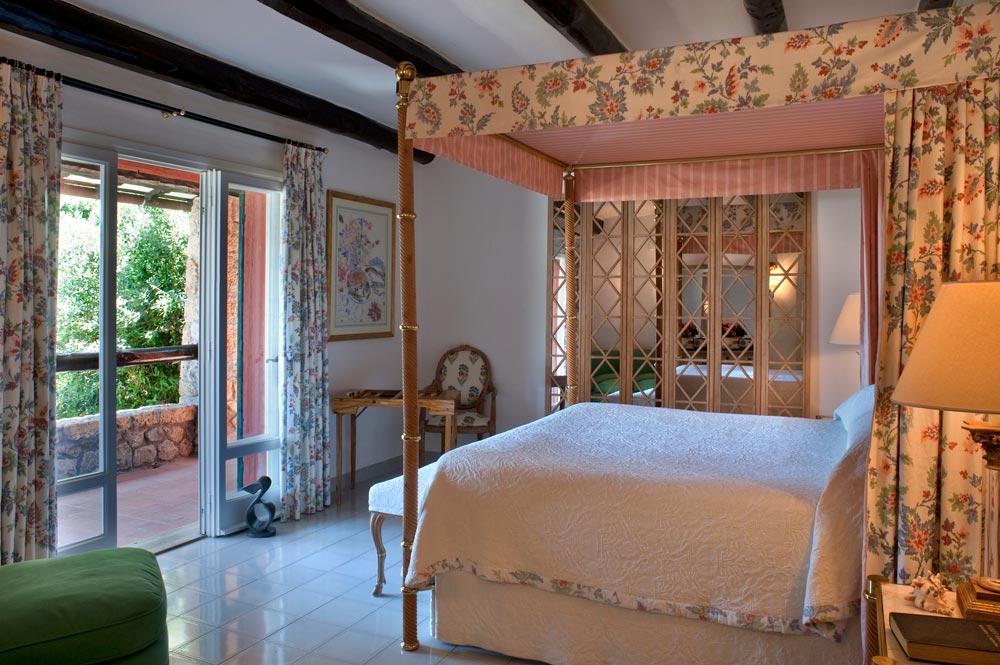 Master Suite Guestroom at ll Pellicano, Italy