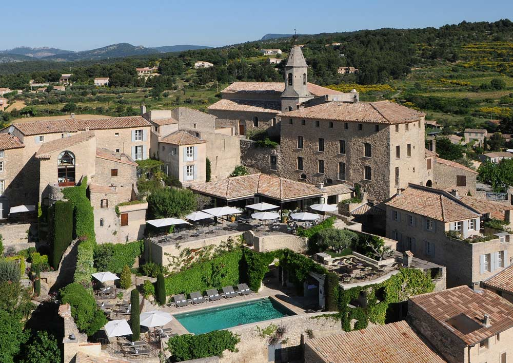 Overview of Hotel Crillon le Brave