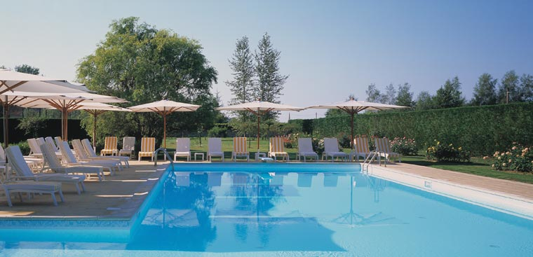 Domaine Des Hauts De Loire Outdoor Pool