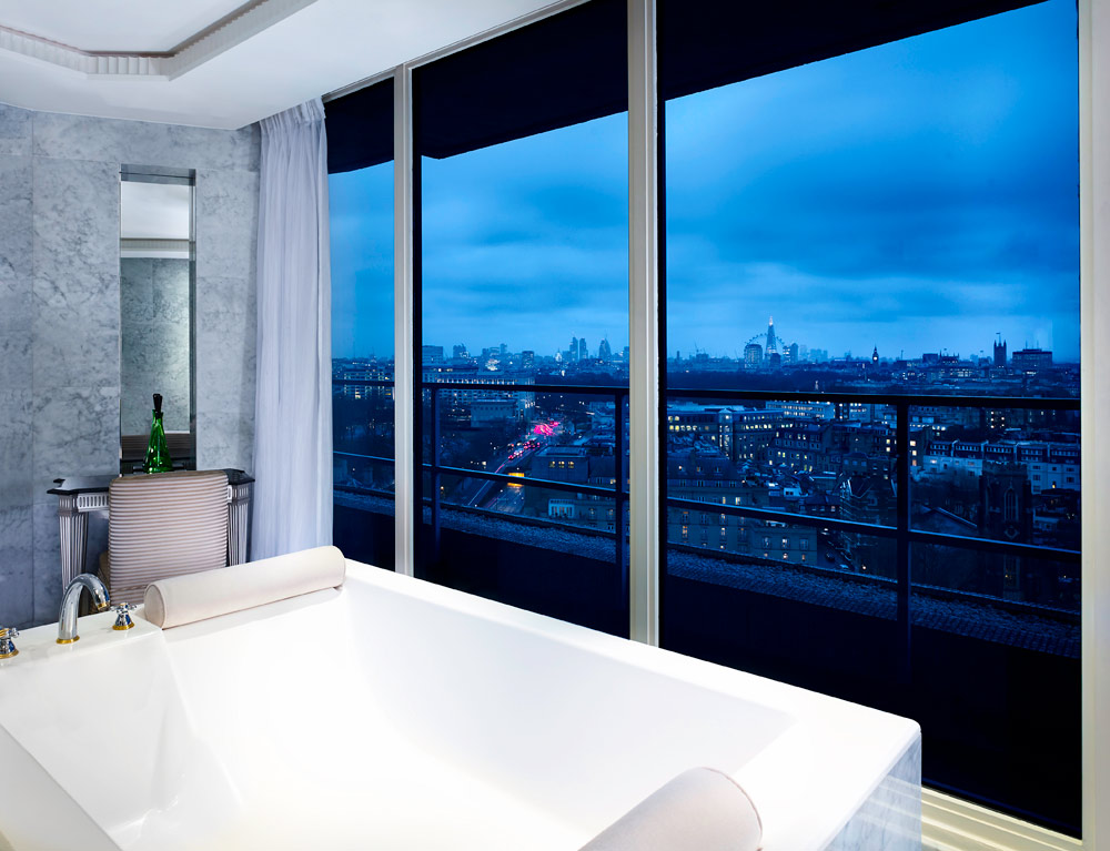 Suite bath overlooking city at The Park Tower Knightsbridge, London