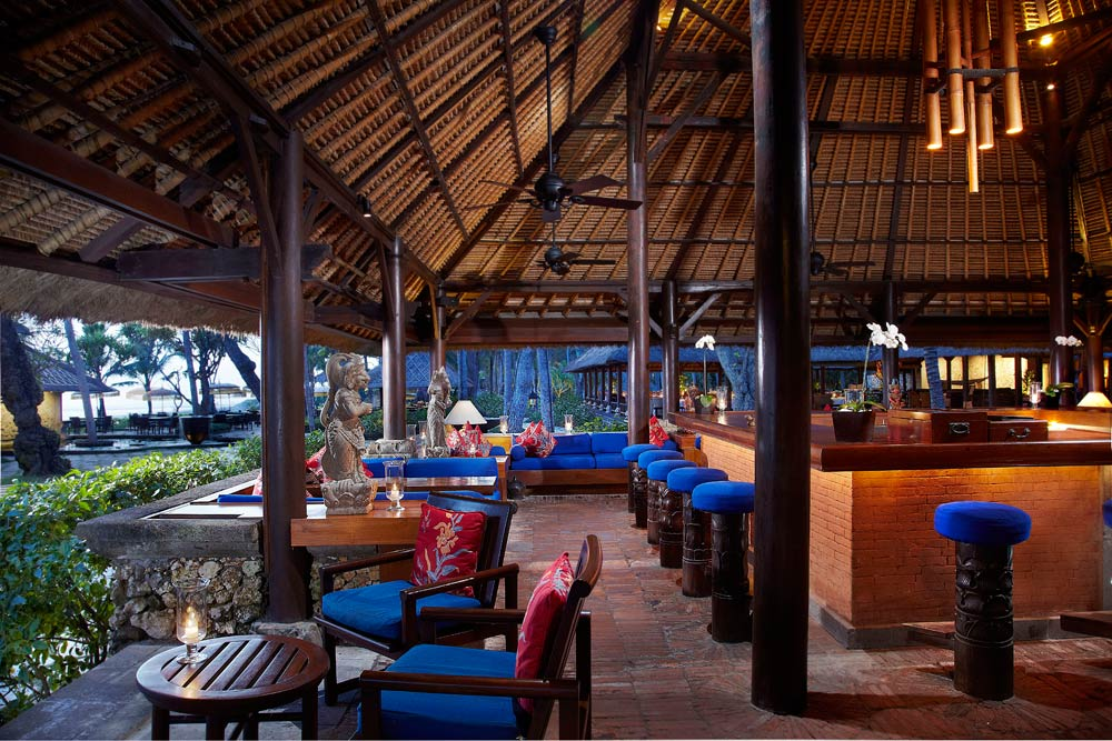 Kayu Bar at Oberoi BaliIndonesia