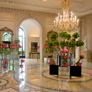 Four Seasons Hotel George V Paris Lobby
