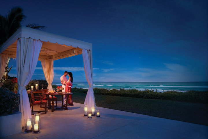 Four Seasons Palm Beach Outdoor Dining