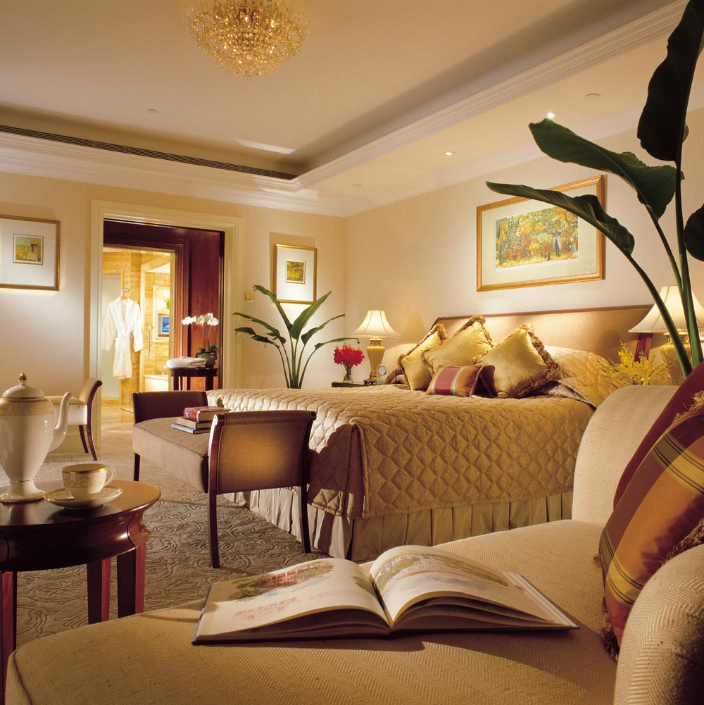 Guest Suite at Shangri-La Hotel Singapore, Singapore