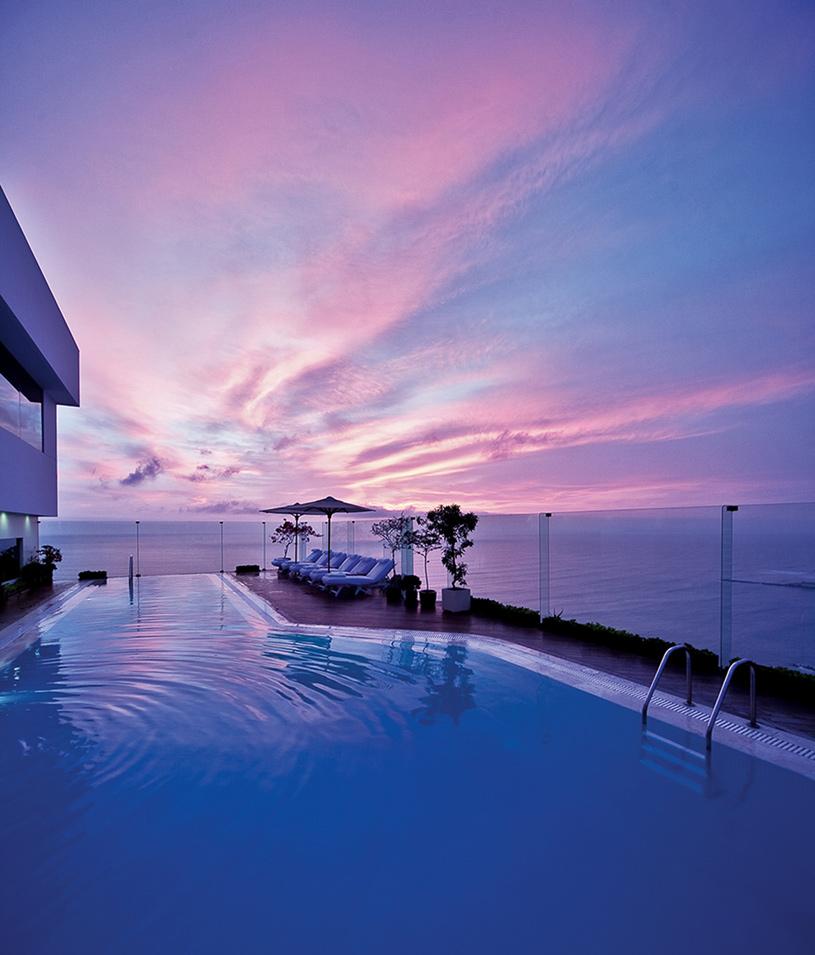 Miraflores Park Hotel Pool