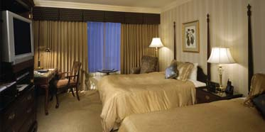 Twin Guestroom at Sutton Place Vancouver
