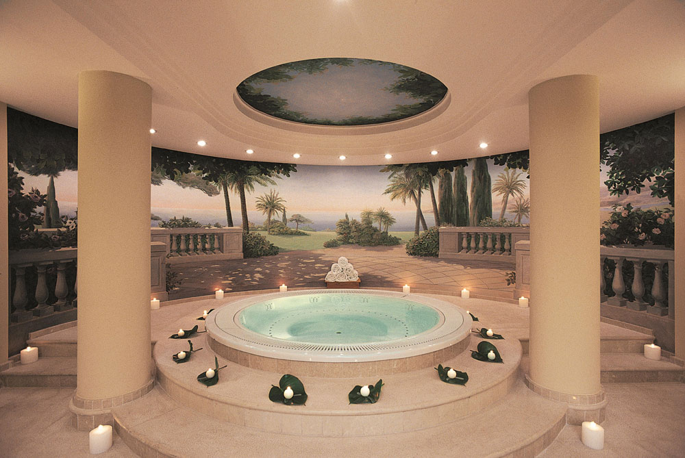La Reserve De Beaulieu jacuzzi spa, Alpes Maritimes, France