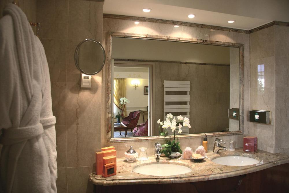 Suite Bath at La Reserve De Beaulieu, Beaulieu Sur Mer, France