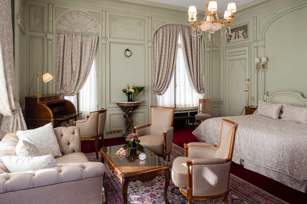 Deluxe Room at Raphael Paris