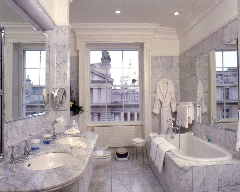 Suite Bath at The Merrion, Dublin
