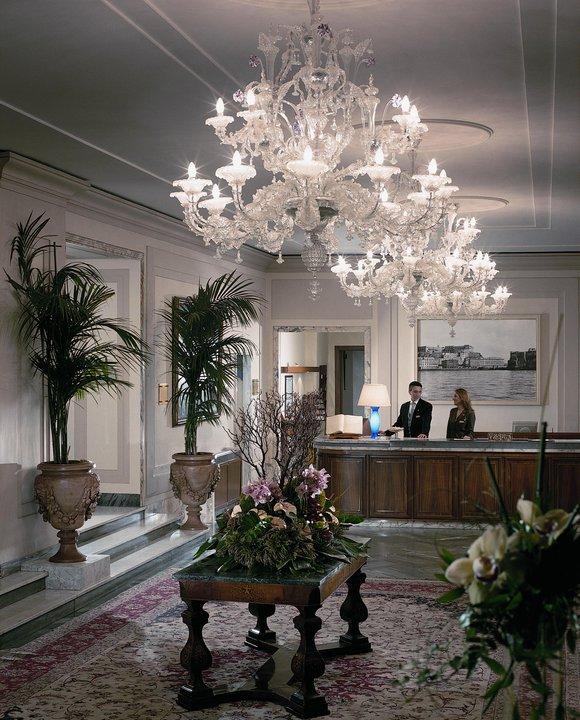 Grand Hotel Vesuvio Lobby