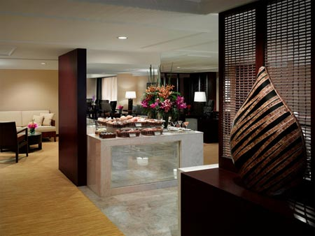 The Peninsula Manila - The Club Lounge
