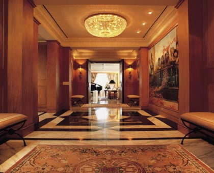The Peninsula Suite Hallway