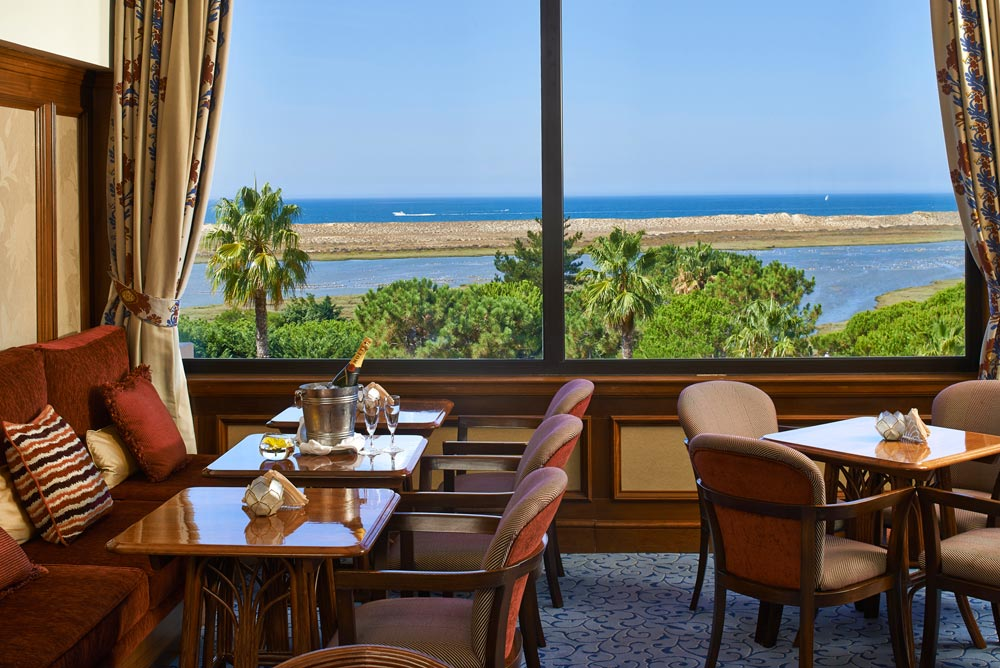 Hotel Quinta Do Lago Dining with a View