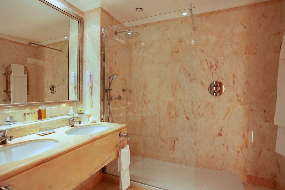 Hotel Quinta Do Lago Guest Bath