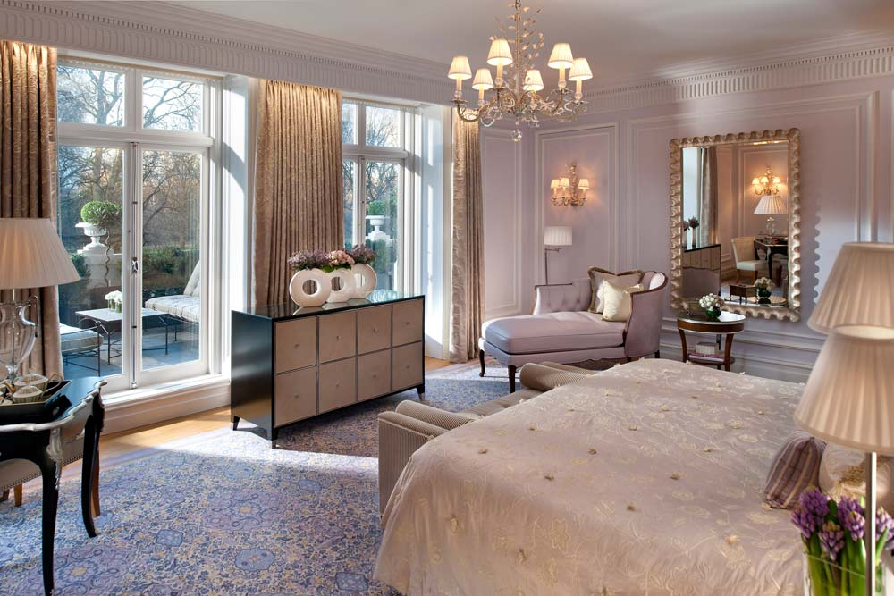Bedroom of Royal Suite with King Bed and View of Hyde Park at Mandarin Oriental Hyde Park