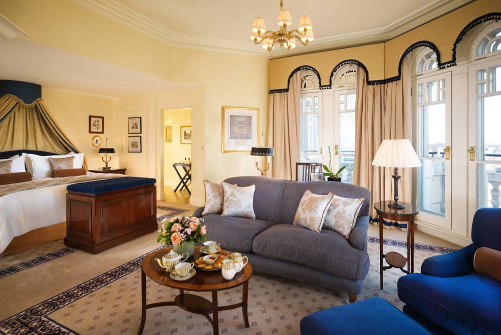 Knightsbridge Turret Suite with Kind Bed and View of Knightsbridge at Mandarin Oriental Hyde Park