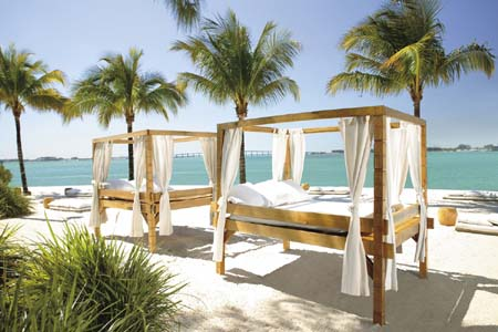 Oasis Beach Club Opium Beds