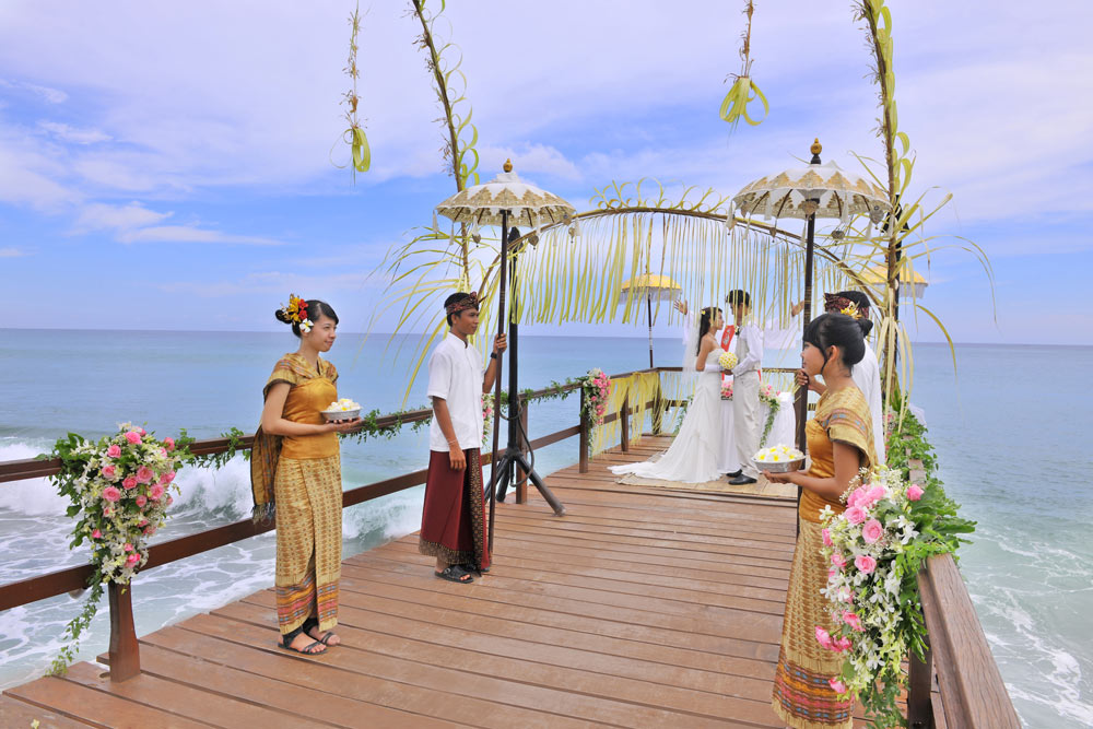 Jetty Wedding at AYANA Resort and SpaBali
