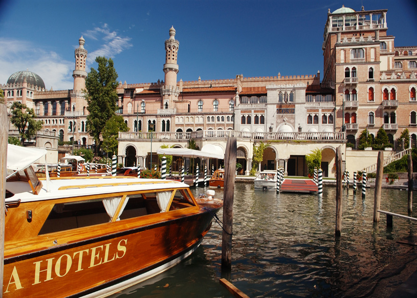 Hotel Excelsior Venice Hotel Exterior Boat View