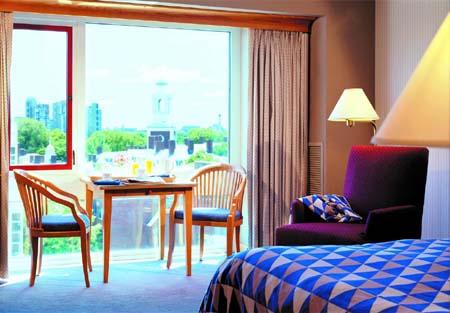 Charles Hotel Guestroom