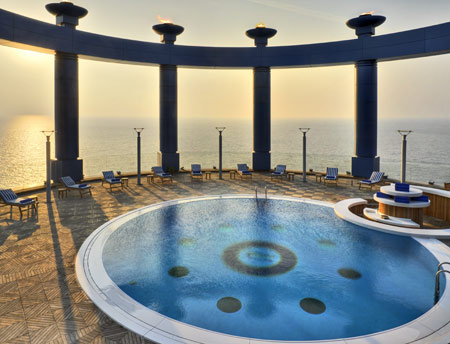 Corniche, a Rosewood Hotel