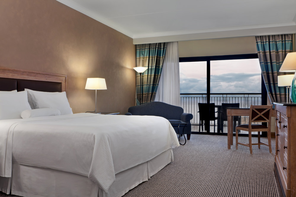 Deluxe King Room at Westin Dragonara Resort Malta