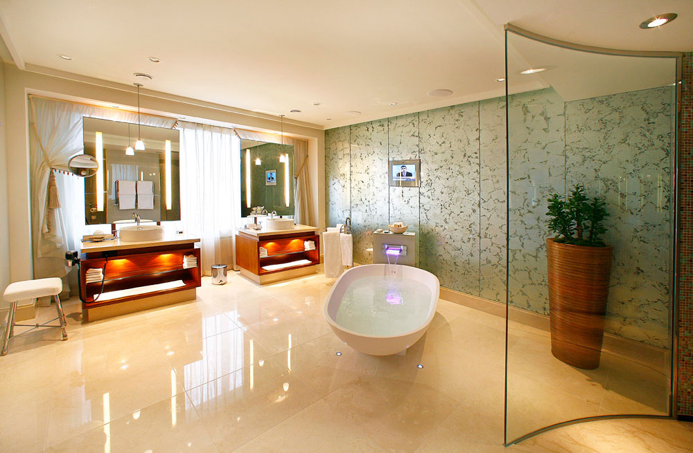 Suite Bath at Hotel Okura Amsterdam