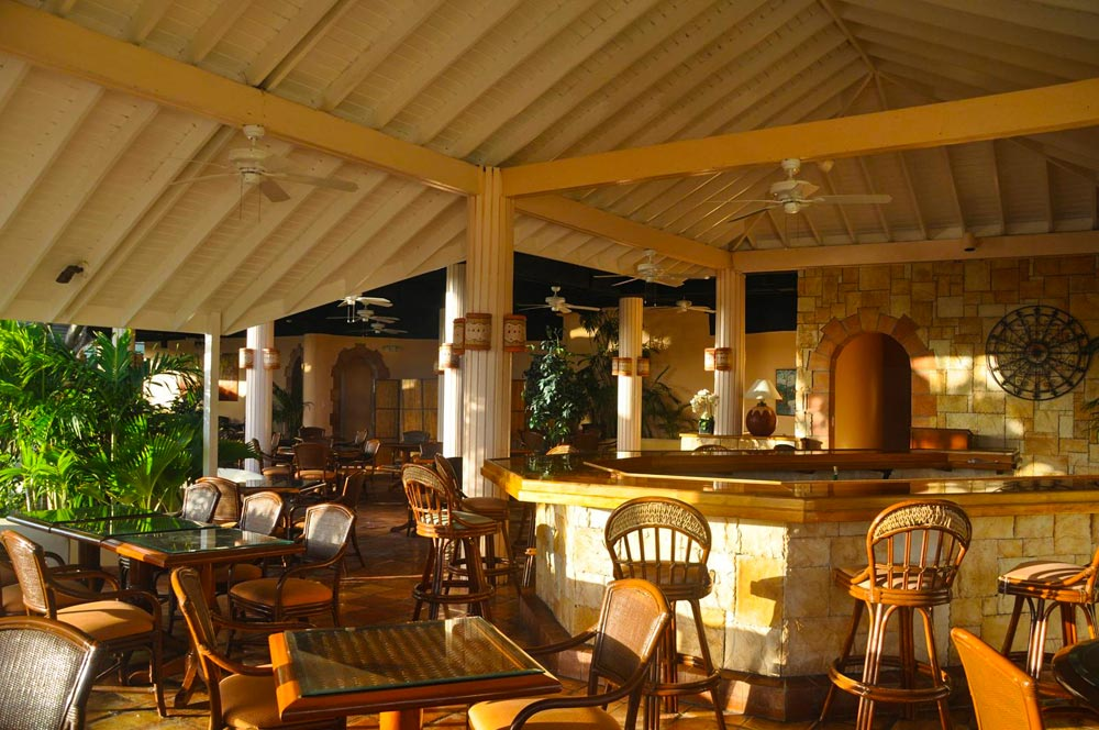 Dining and Bar at St. James Club and Villas, Antigua