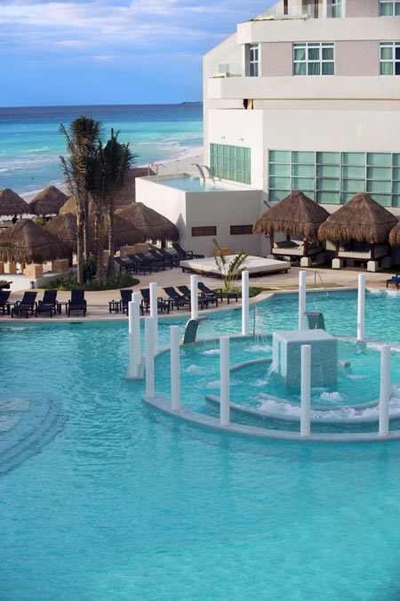 ME Hotel Cancun