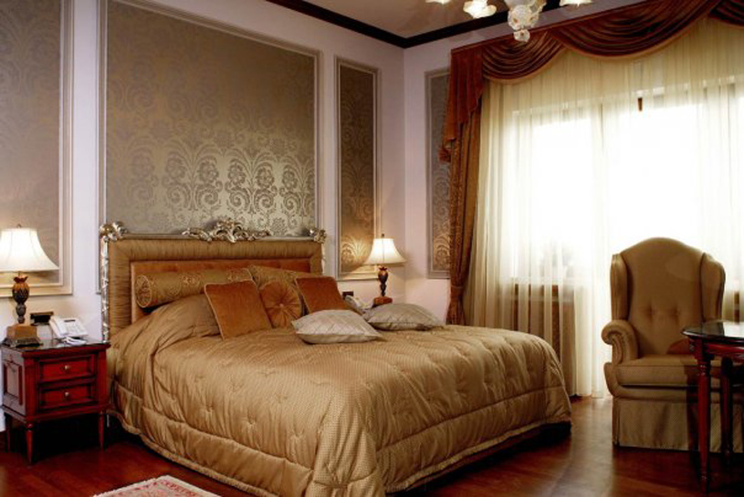 Carol Parc Hotel Guest Room