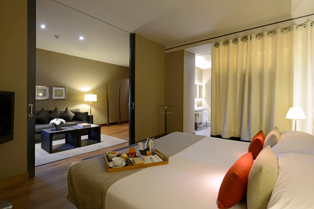 Master SuiteGrand Hotel Central Barcelona