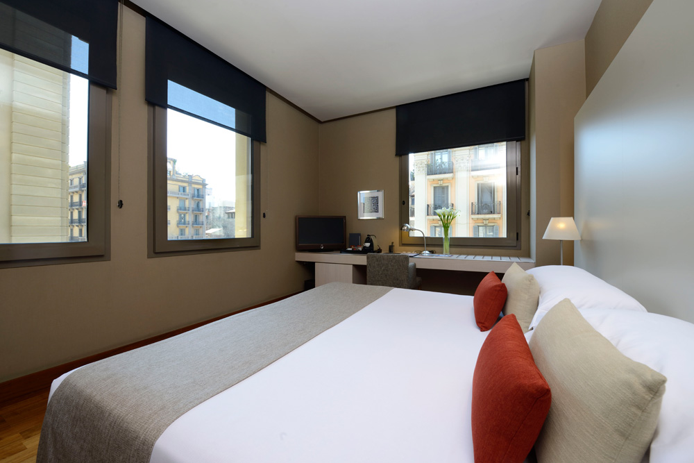 Deluxe City View RoomGrand Hotel Central Barcelona