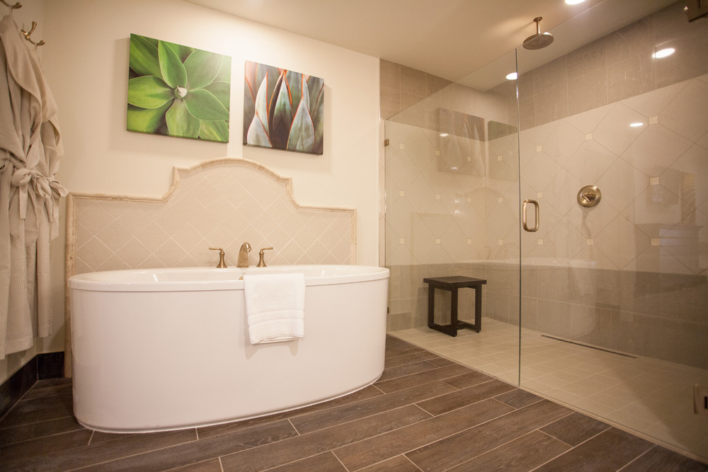 Suite Bathroom at Sedona Rouge Hotel and Spa