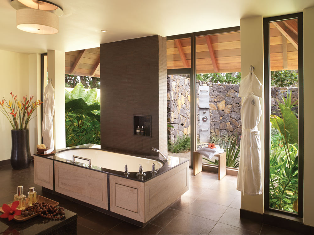 Guest Bath at Four Seasons Resort Mauritius at Anahita