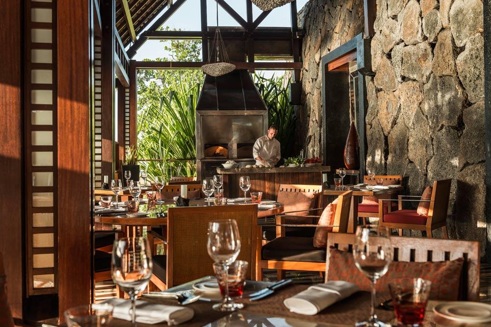 Dining at Four Seasons Resort Mauritius at Anahita